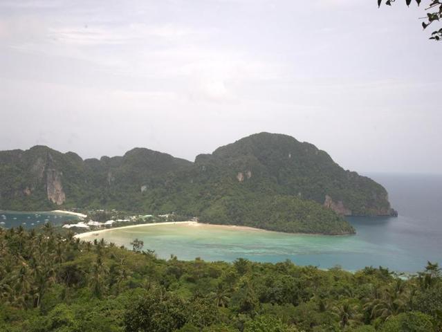 Gay-Friendly-Hotel-Phi-Phi-Relax-Beach-Resort-2