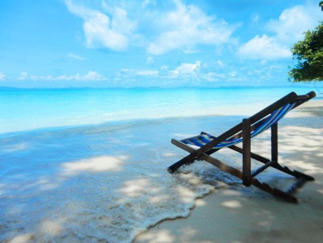 Gay-Friendly-Hotel-Phi-Phi-Relax-Beach-Resort-3