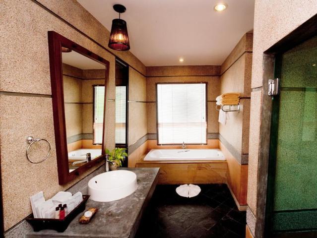 Gay Friendly Hotel Railay Village Resort Krabi