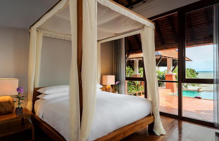 Gay-Friendly-Hotel-Renaissance-Koh-Samui-Resort-Spa-2