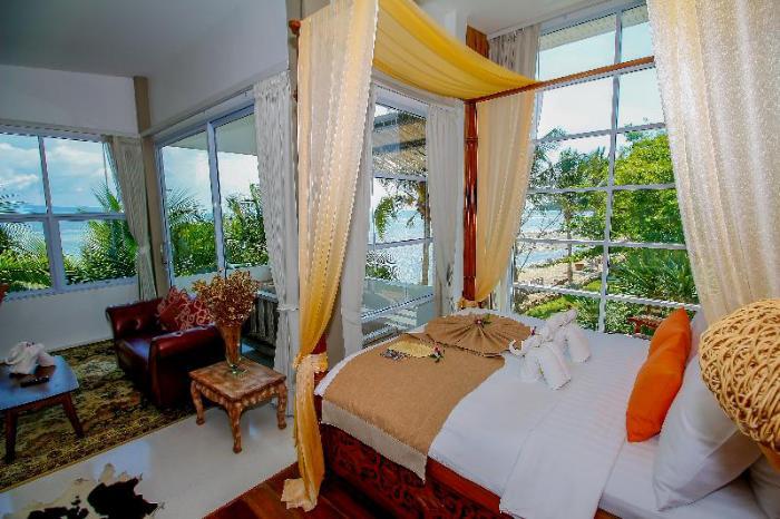 Gay Friendly Hotel Summer Luxury Beach Resort & Spa Koh Phangan