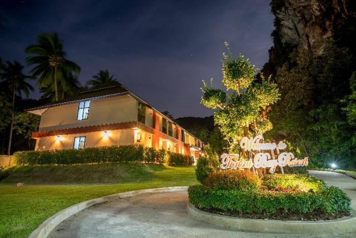 Gay Friendly Hotel Tonsai Bay Resort Krabi