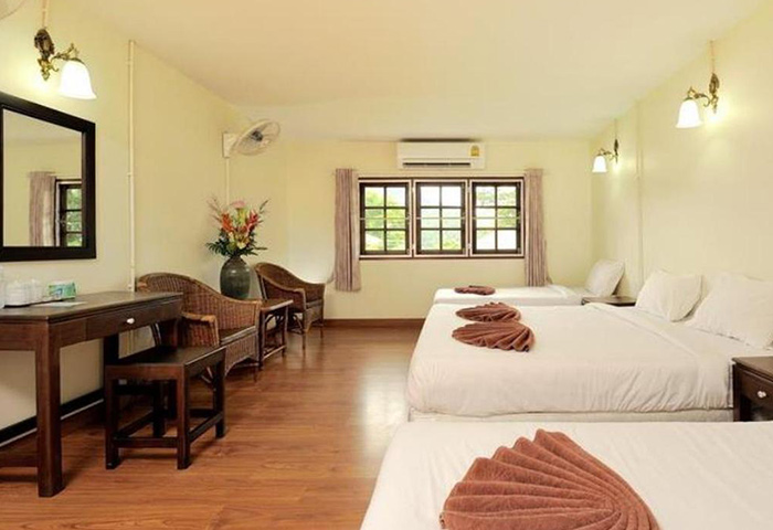 Ibiza-House-Cheap-Beachfront-Hotel-with-Pool-Phi-Phi