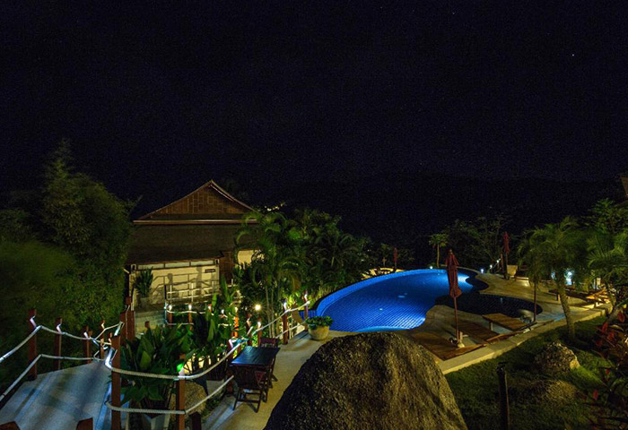 Koh-Phangan-Pavilions-Cheap-Gay-Hotel-Koh-Phangan-with-Rooftop-Pool