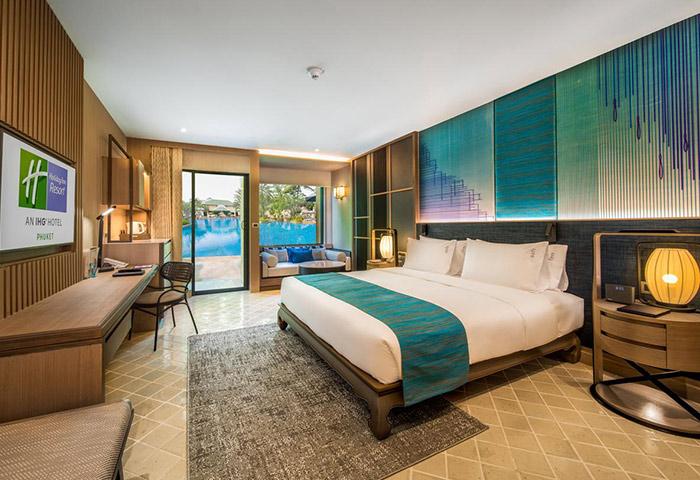 LGBT-Friendly-Private-Hotel-Holiday-Inn-Resort-Phuket-Patong