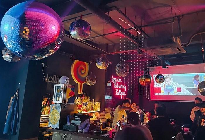 Lollipop-Bar-&-Lounge-Shanghai-Popular-Gay-Cocktail-Bar-in-Gayborhood