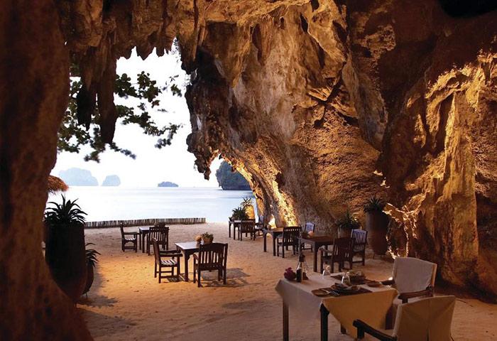 Popular-Dinner-in-Cave-Gay-Hotel-Krabi-Railay-Rayavadee-Hotel