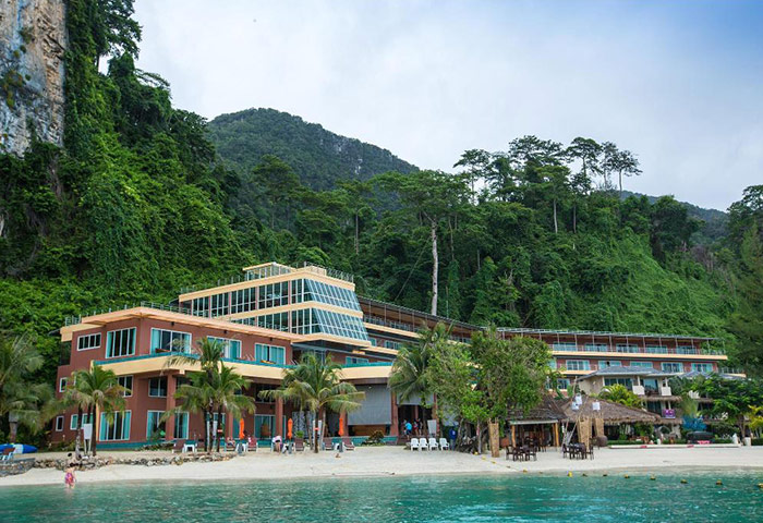 Phi-Phi-Cliff-Beach-Resort-Cheap-Gay-Hotel-Beachfront-and-Rooftop-Pool