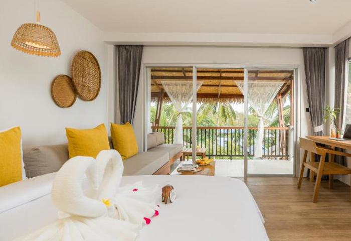 Princess-Paradise-Koh-Phangan-Cheap-Gay-Hotel-Beachfront-Pool