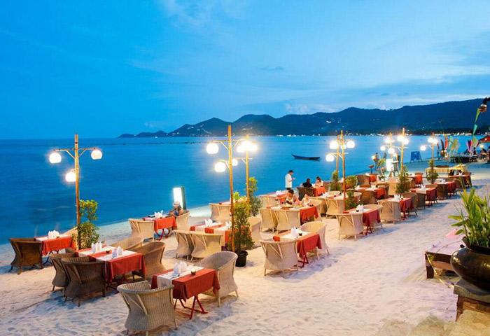 Romantic-Cheap-Beachfront-Seafood-Restuarant-Gay-Hotel-Koh-Samui-Montien-House-Hotel