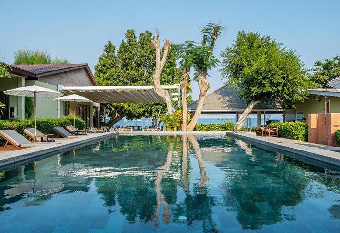 Top-3-Quiet-Gay-Hotel-Koh-Samet-Beachfront-with-Pool