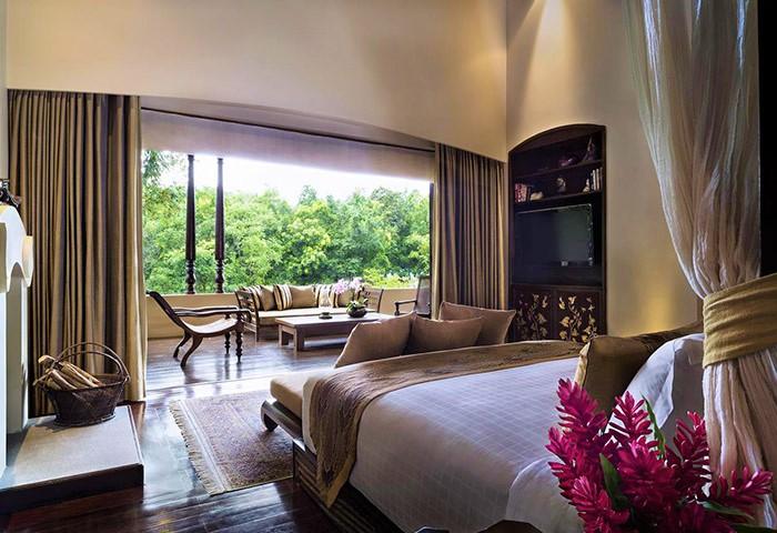 Top-3-Super-Luxury-Gay-Friendly-Hotel-Four-Seasons-Resort-Chiang-Mai