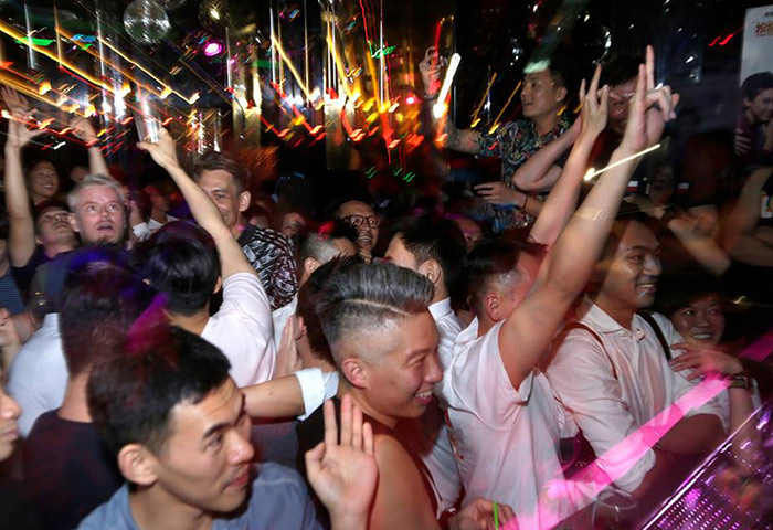 Zoo-Bar-Hong-Kong's-Most-Trendy-Bar-in-Gayborhood