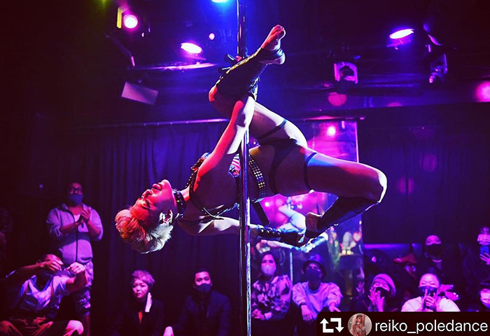 AiSOTOPE-Lounge-Tokyo-Best-Gay-Dance-Club-With-Dark-Room