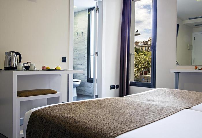 BCN-Urbaness-Hotels-Del-Comte-Best-Gay-Hotel-Barcelona-Near-Gay-Bar-BoysBar-BCN