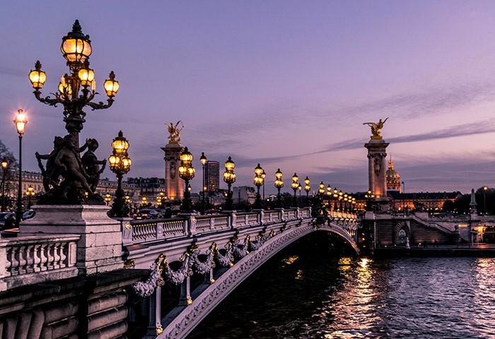 Best-Gay-Nightlife-Guide-Paris-Marais-Gayborhood