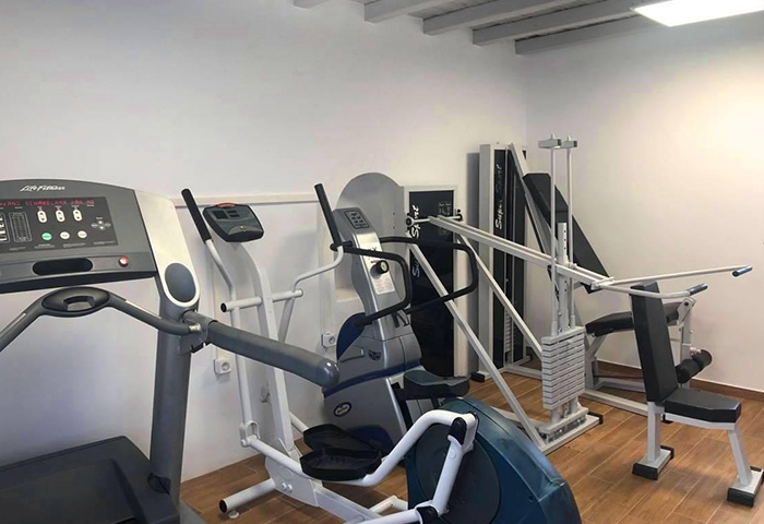 Budget-Gay-Hotel-in-Mykonos-Town-City-Center-with-Gym-Elena-Hotel