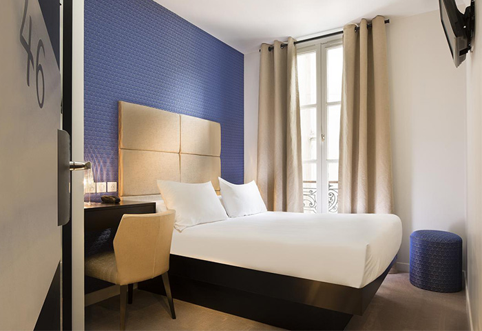 Cheap-Comfy-gay-Hotel-Paris-City-Center-Le-Relais-du-Marais-Hotel