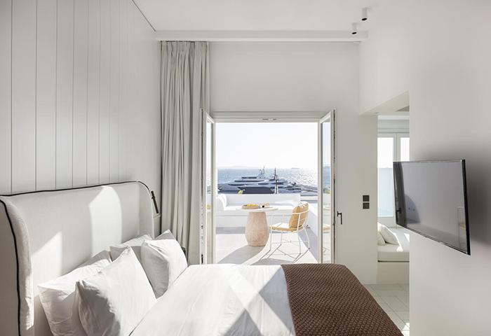 Cheap-Luxury-Gay-Hotel-Mykonos-Town-with-Private-Balcony-Porto-Mykonos-Hotel