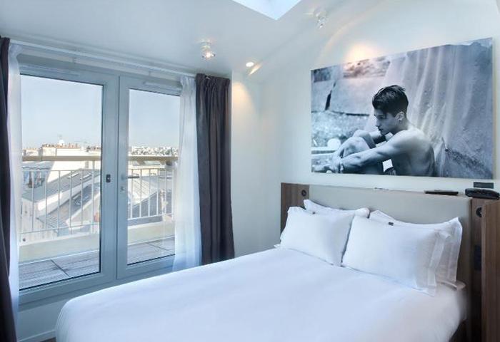 Cheap-Popular-Adult-Only-Gay-Hotel-Paris-Hotel-Jules-&-Jim