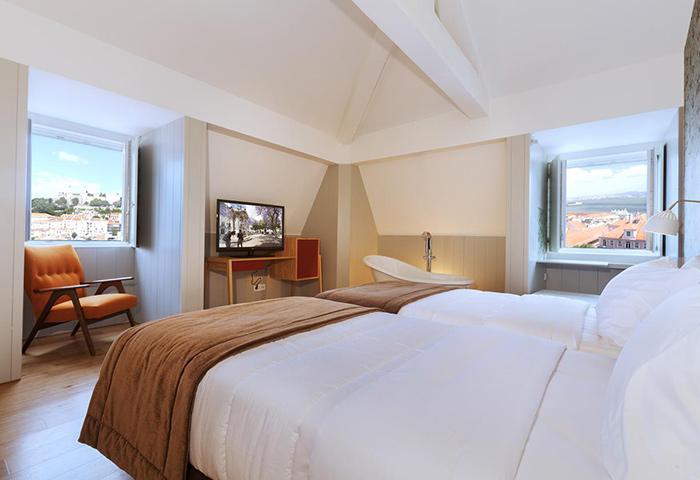 Cheap-Price-Gay-Hotel-Lisbon-City-Center-Lisboa-Carmo-Hotel