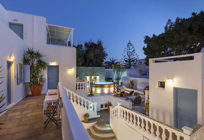 Chora-Central-Location-Near-Gay-Bars-and-Gay-Cruise-Mykonos-Carbonaki-Hotel