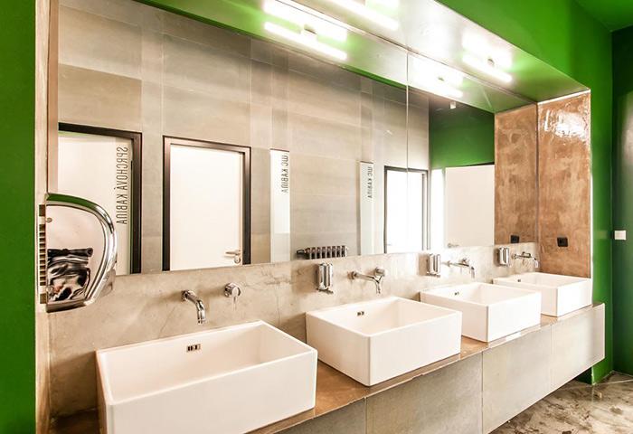 Clean-Rooms-Gay-Hotels-in-Prague-Gayborhood-Vinohrady-Czech-Inn