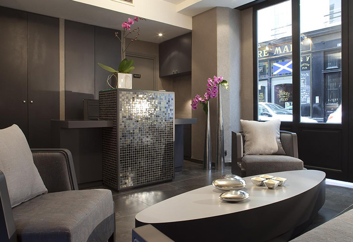 Find-Cheap-Gay-Hotel-Paris-Near-Gay-Nightlife-in-Marais-Hotel-Caron