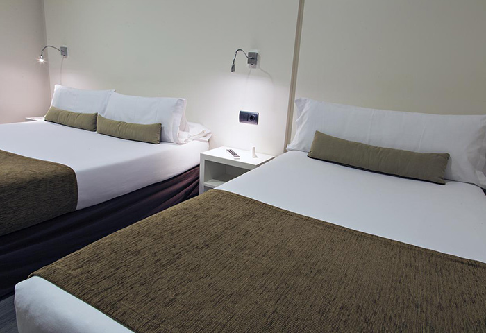 Find-Cheap-Price-Gay-Hotel-Room-Barcelona-for-3-Persons-BCN-Urbaness-Hotels-Del-Comte