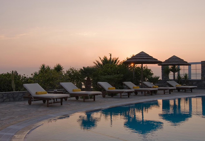 Find-Cheap-Price-Gay-Hotel-in-Mykonos-Town-with-Pool-Marisso-Hotel