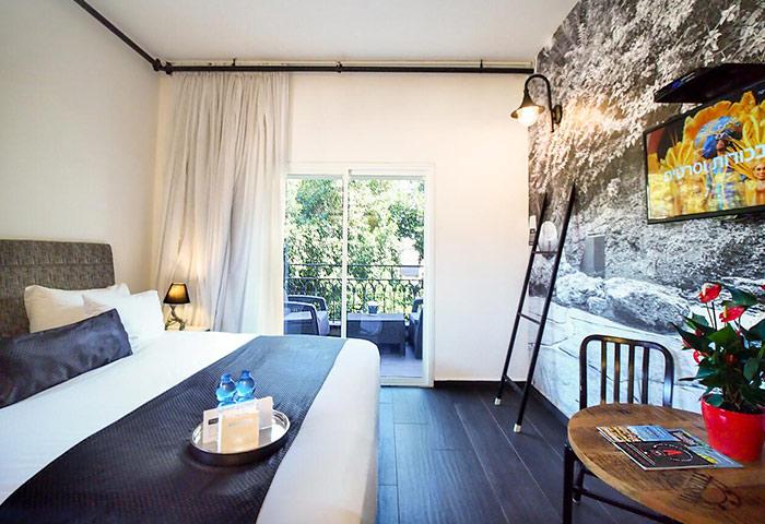 Find-Rooms-for-3-People-in-Hilton-Beach-Tel-Aviv-Gayborhood-Dizengoff-Avenue-Boutique-Hotel