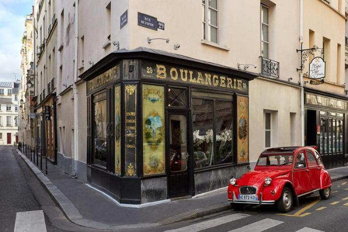 Gay Friendly Hotel Hotel du Petit Moulin Paris