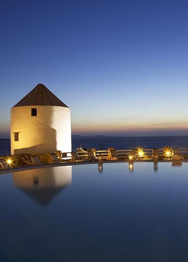 Perfect-Instagram-Hotel-in-Mykonos-Town-Gayborhood-Hotel-Porto-Mykonos-Hotel