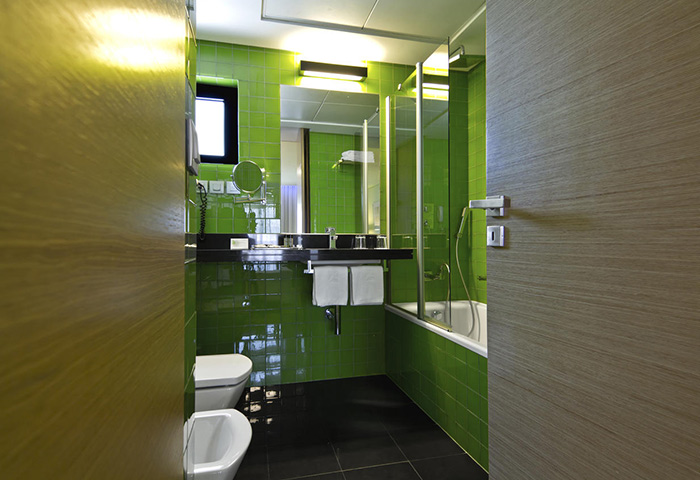 SANA-Capitol-Hotel-Cheap-Gay-Hotel-Room-for-3-Adults-in-Lisbon-City-Center