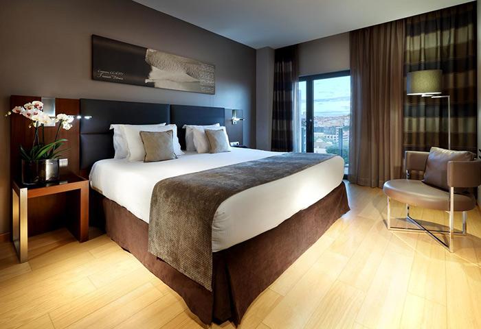 This-Year-Update-Best-Honeymoon-Hotel-Ideas-in-Lisbon-Gayborhood-Area-Eurostars-Hotel-das-Letras