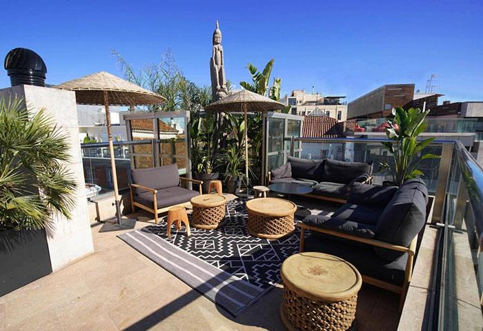 This-Year-Update-Best-Rooftop-Bar-Gay-Hotel-Madrid-City-Center-Gran-Via-Urban-Hotel