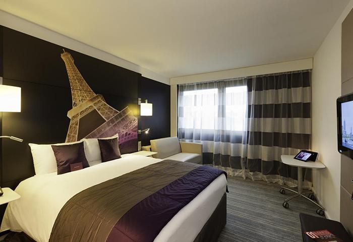 Top-Instagram-Perfect-Gay-Hotel-Paris-Mercure-Paris-Centre-Tour-Eiffel