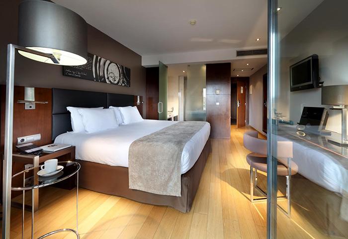 Top-Luxury-Gay-Hotel-in-Lisbon-Gayborhood-Eurostars-Hotel-das-Letras