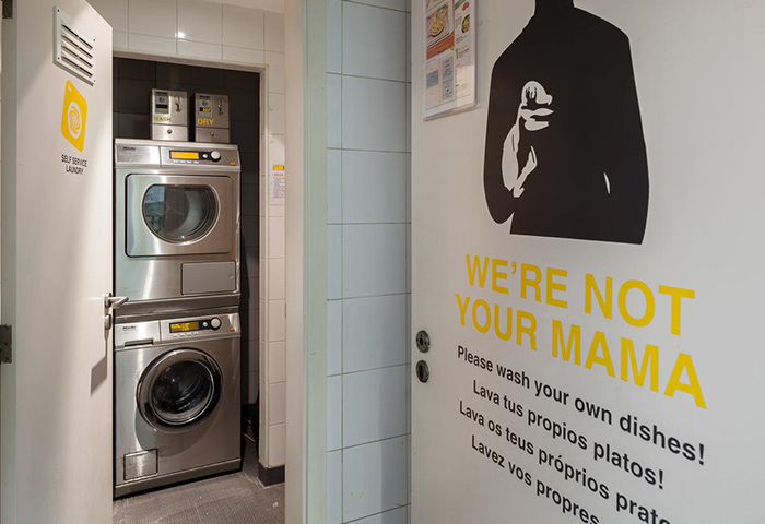 Yes!-Lisbon-Hostel-Cheap-Price-Gay-Hostel-with-Washing-Machine