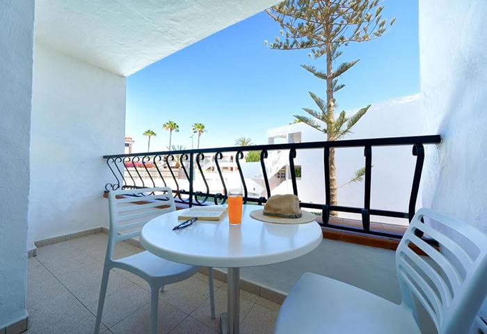Best-Gay-Men-Hotel-Gran-Canaria-for-Solo-Gay-Travellers-Atlantic-Sun-Beach-Gay-Men-Only
