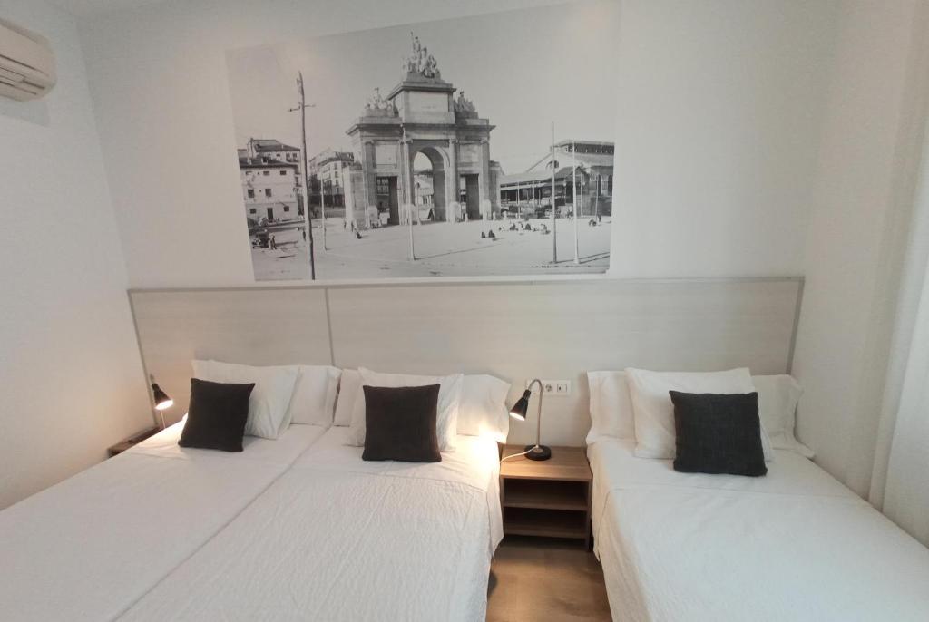 Gay Friendly Hotel Hostal San Lorenzo Madrid