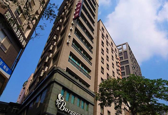 Gay Friendly Hotel Burgary Hotel