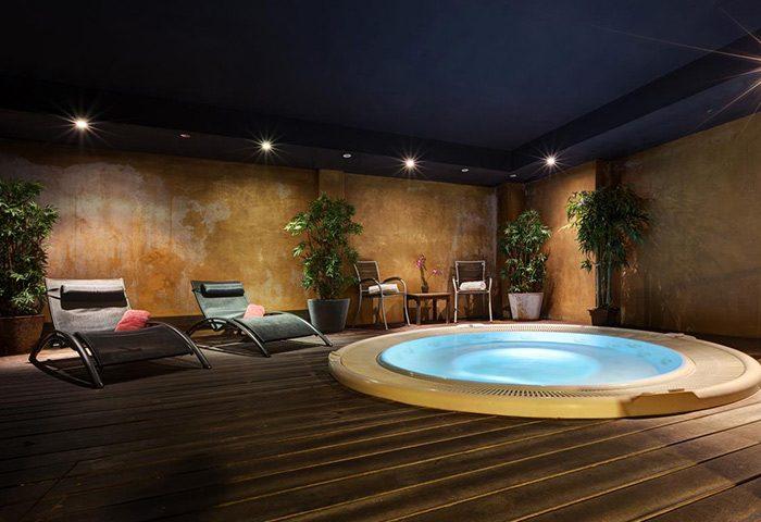 Acevi-Villarroel-Hotel-Find-Cheap-Price-Gay-Honeymoon-Hotel-Barcelona-in-Gaixample-Area
