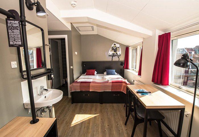 Affordable-Gay-Hotels-in-Nyhavn-City-Center-Near-Gay-Bars-Generator-Copenhagen