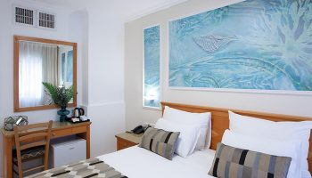 Best-Budget-Gay-Hotel-tel-Aviv-in-Hilton-Beach-Armon-Hayarkon-Hotel