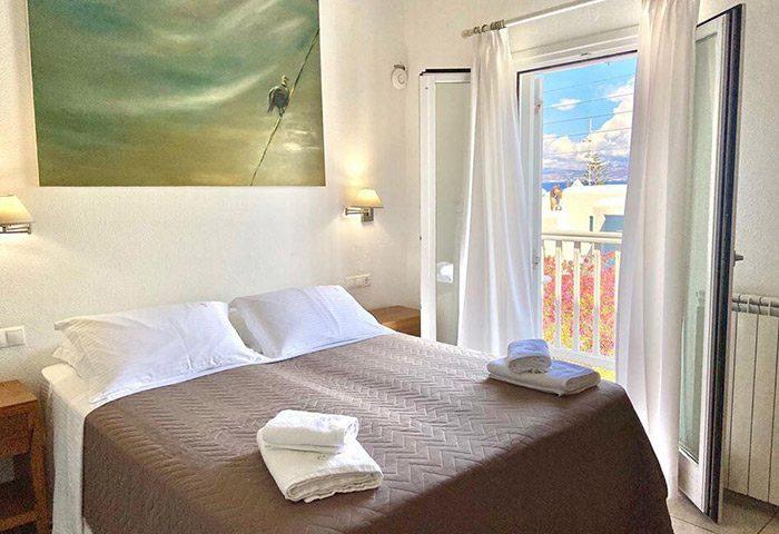 Best-Budget-Honeymoon-Gay-Hotel-in-Mykonos-Town-Chora-Gayborhood-Elena-Hotel