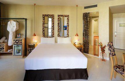 Best-Gay-Honeymoon-Hotel-Ideas-in-Barcelona-Axel-Hotel-Barcelona-&-Urban-Spa-Gay-Adults-Only