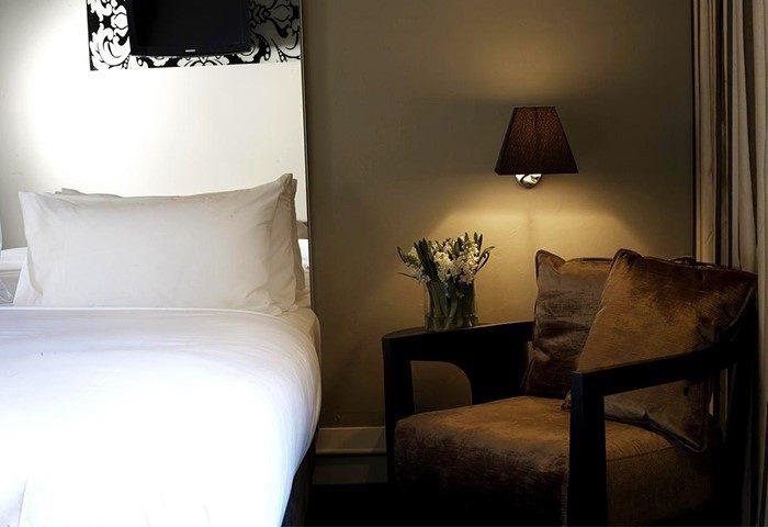 Big-Clean-Cheap-Hotel-in-Sydney-City-Center-Kirketon-Hotel-Sydney