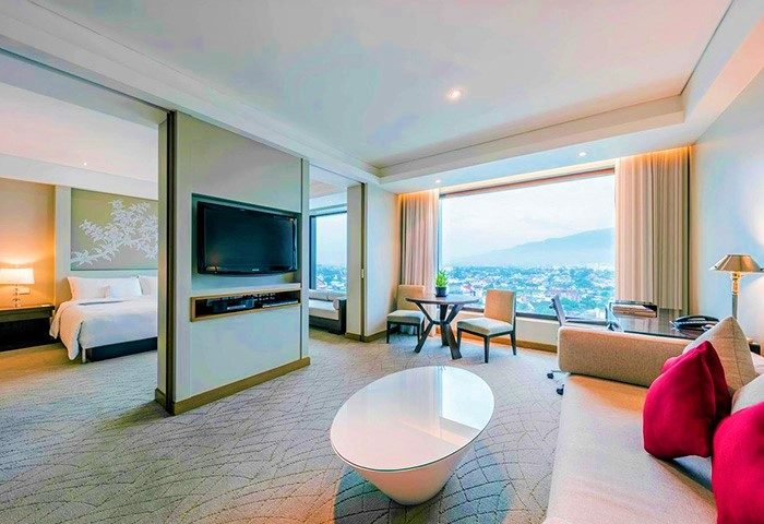 Big-Room-in-City-Centre-Gay-Luxury-Hotel-Le-Meridien-Chiang-Mai