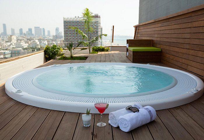 Carlton-Tel-Aviv-Hotel-Luxury-on-the-Beach-Most-Popular-Gay-Honeymoon-Hotel-in-Hilton-Gay-Beach